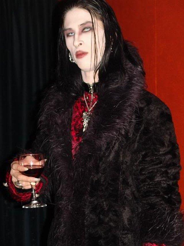 meet real site vampire