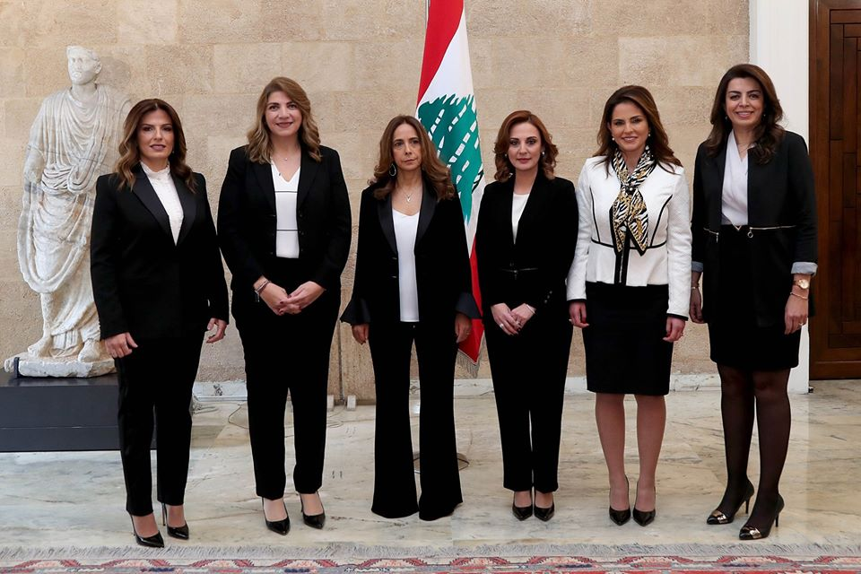 "The ""Six Women of the Cabinet"" in One Photo"