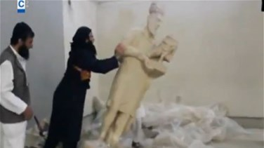 REPORT: IS militants smash Iraqi history with sledgehammers