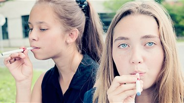 Teenagers Use E-cigarettes Because they Are Cool