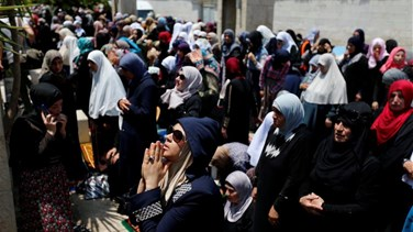 Lebanon News - Thousands rush to pray at Jerusalem's Al-Aqsa mosque amid tension