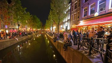 Lebanon News - Amsterdam Bans Tourists From Staring At Sex Workers In Red Light District