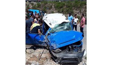 Lebanon News - [PHOTO] Car accident leaves one woman injured in Zahrani