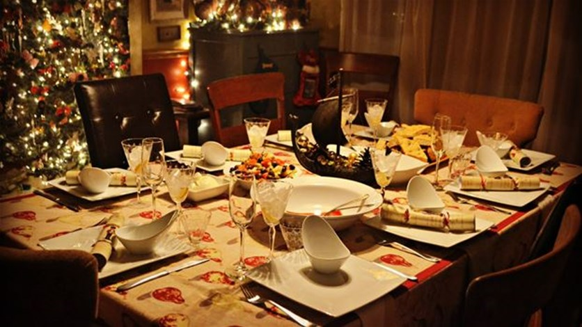 Lebanon news breaking news 5 holiday dining etiquette tips for Dining room etiquette