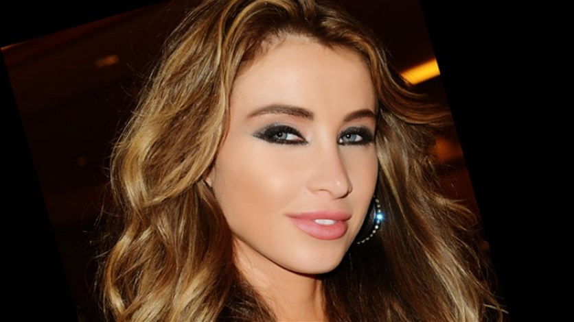 be9dc746cea09 بالصورة  أنابيلا هلال بدون مكياج.. هل جمالها خدعة بصريّة؟ - Lebanon News