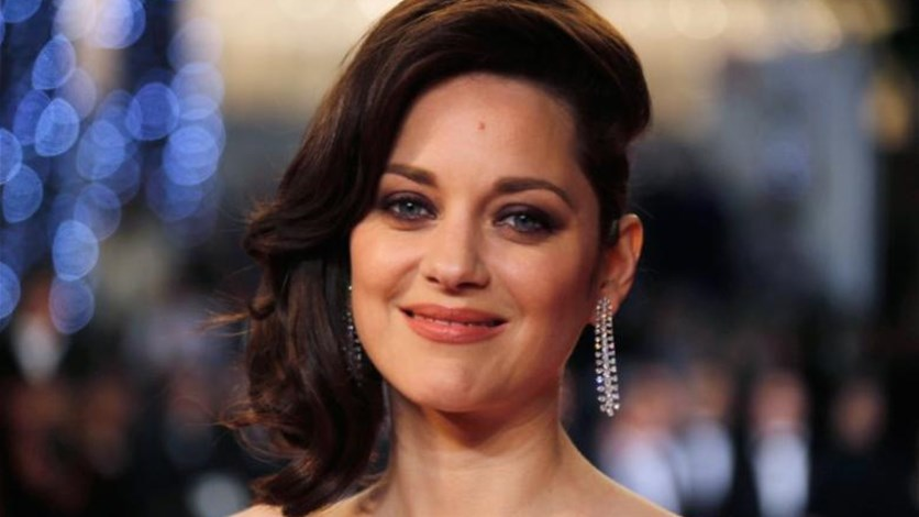 French actress Cotillard denies role in Jolie, Pitt split