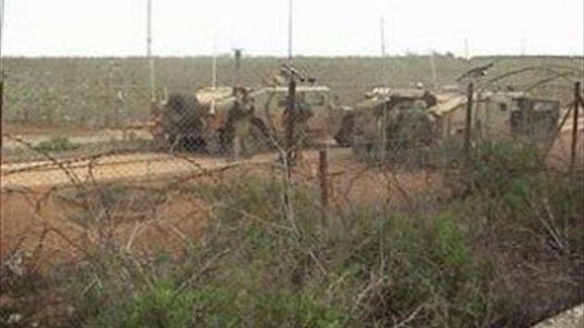 Israeli army conducts intensive patrols near the border