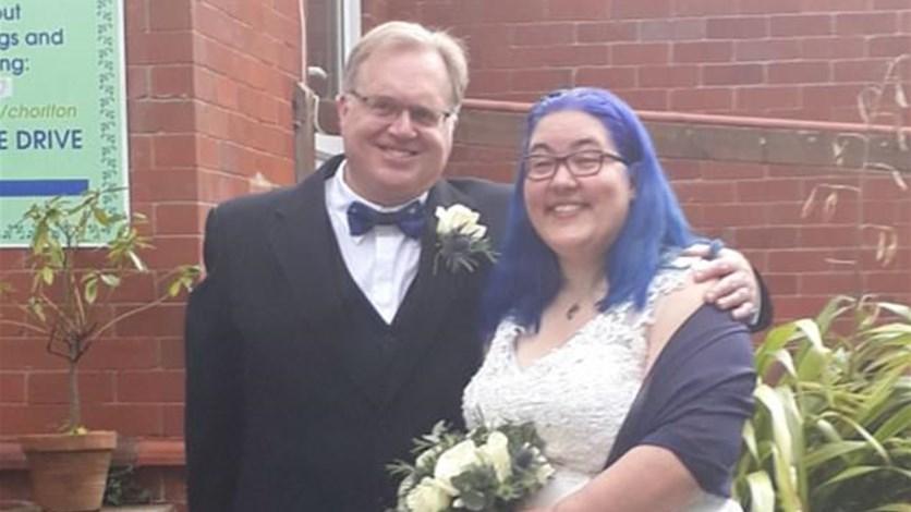 تزوّجت من خطيبها بحضور زوجها وحبيبيها