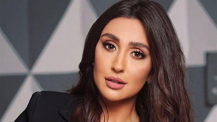 شاهد..الممثلة اللبنانية جيسي عبدو بإطلالة جريئة تكشف ما تحت الفستان  News-P-417366-636808976528478840