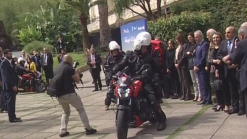 الحسن خلال إطلاق Moto Ambulance المبادرة ستمكن الدفاع المدني من