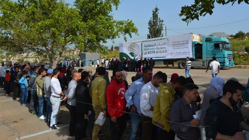 مركز الملك سلمان للإغاثة والأعمال الإنسانية قام بتوزيع سلال غذائية