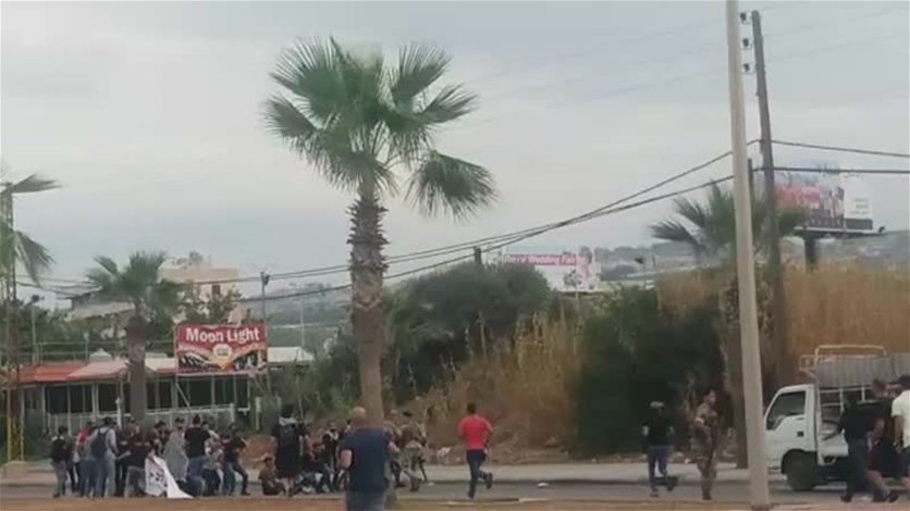 A dispute between protesters and army injures 6 in Sidon-[VIDEO]