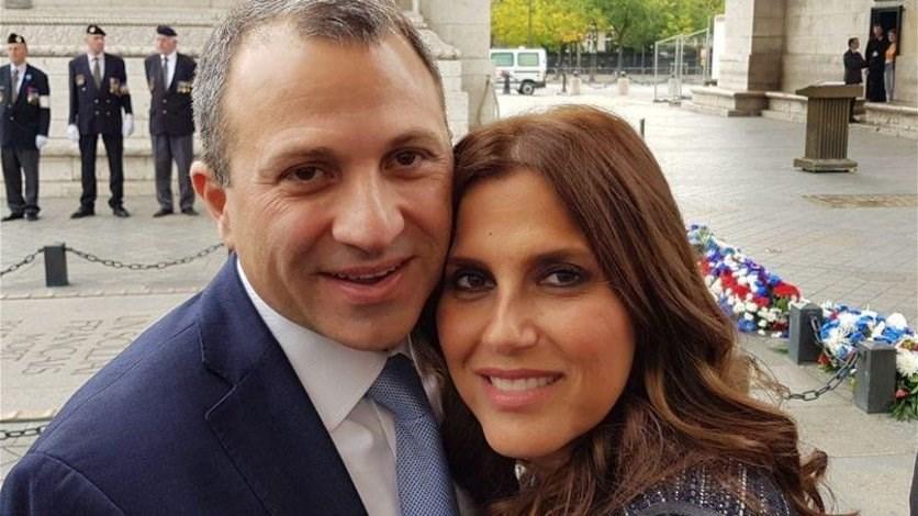 من قلب التظاهرة لفتة مميزة من باسيل الى زوجته صورة Lebanon News