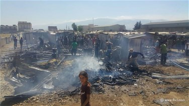 Huge fire erupts at a Syrian refugee camp in Bekaa