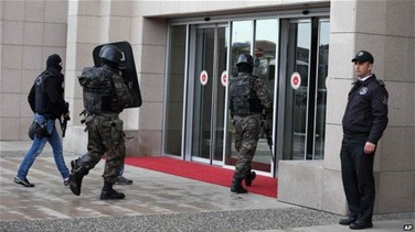 Turkish police search Istanbul courthouses, more officers...
