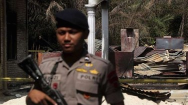 "Suspected ""terror"" attack at Indonesian church; no..."