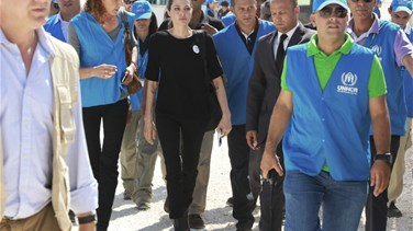 Angelina Jolie in refugee camp calls for end to Syria war