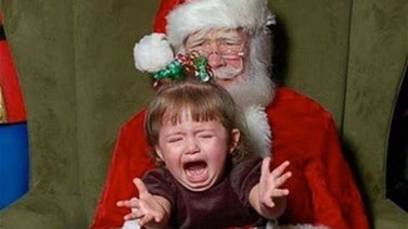 Lebanon News - [PHOTOS] Hilarious Reactions Of Kids Meeting Santa Claus Caught On Camera