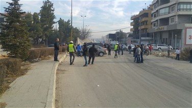 REPORT: Family and relatives of abducted man block roads in Bekaa