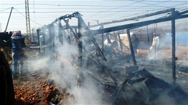 Two Syrian refugee tents catch fire in Bekaa