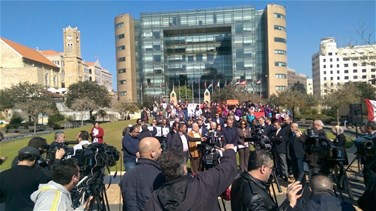 Popular Videos - REPORT: Protest staged in Beirut over Samir Kassab case