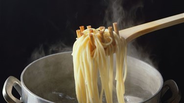 The One 'Lazy' Thing You Should NEVER Do When Cooking Pasta