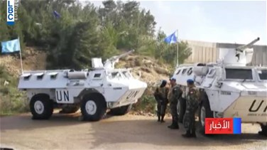 Popular Videos - Israeli army continues installing concrete blocks amid LAF and UNIFIL deployment