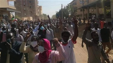 Protesters converge on Sudan defense ministry sit-in to demand civilian rule