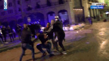 Clash between supporter of Speaker Berri and protesters in central Beirut (Video)