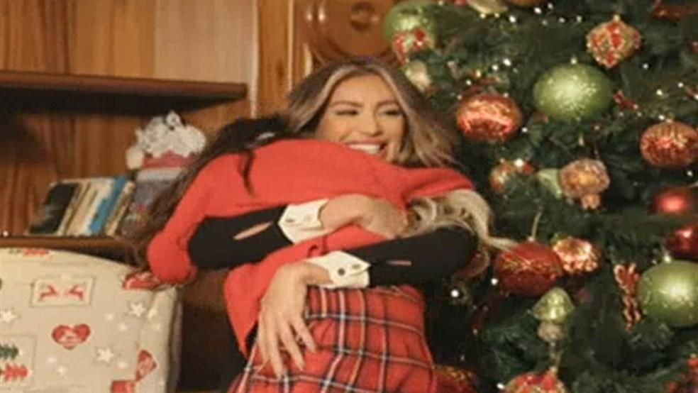 Secret Santa - Maya Diab - Christmas 2014